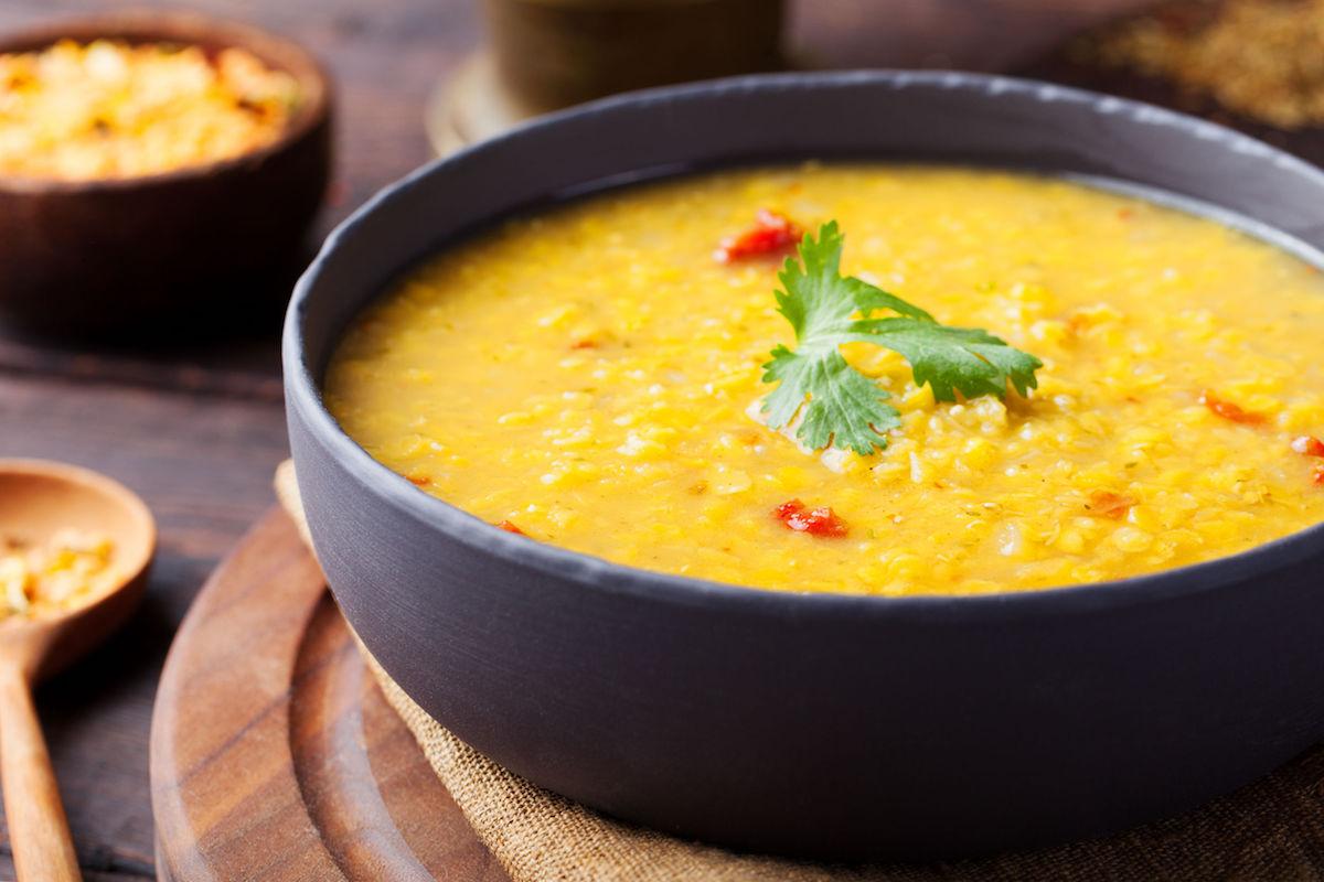 Supa crema de morcovi cu coriadnru