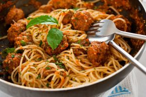 spaghete cu chiftele