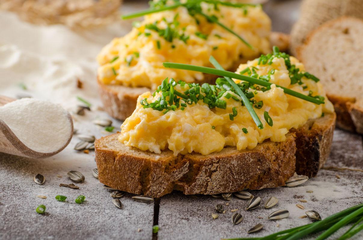 scramble eggs picante