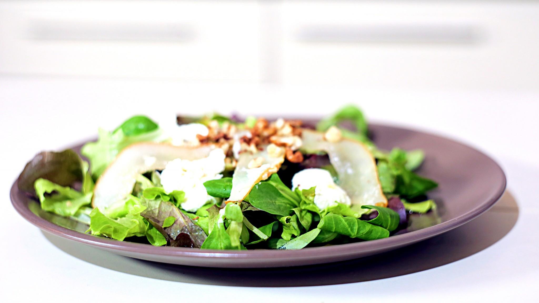salata cu branza de capra