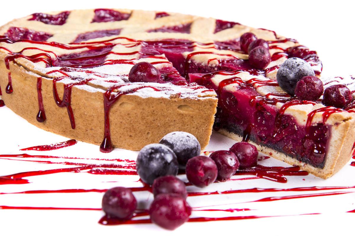 52071503 – cherry tart cake