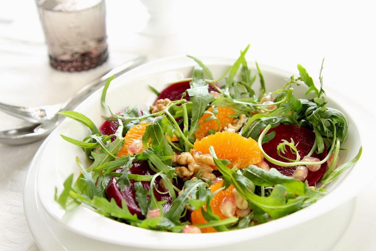 salata de sfecla cu rucola si rodie