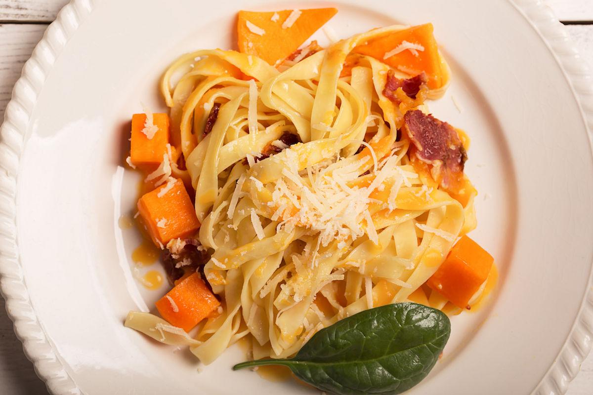 spaghete cu dovleac si salvie