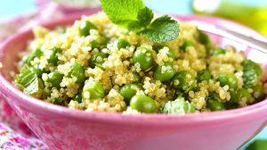 salata cu quinoa si mazare