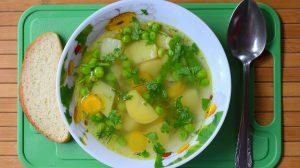 supa cu mazare si pesto