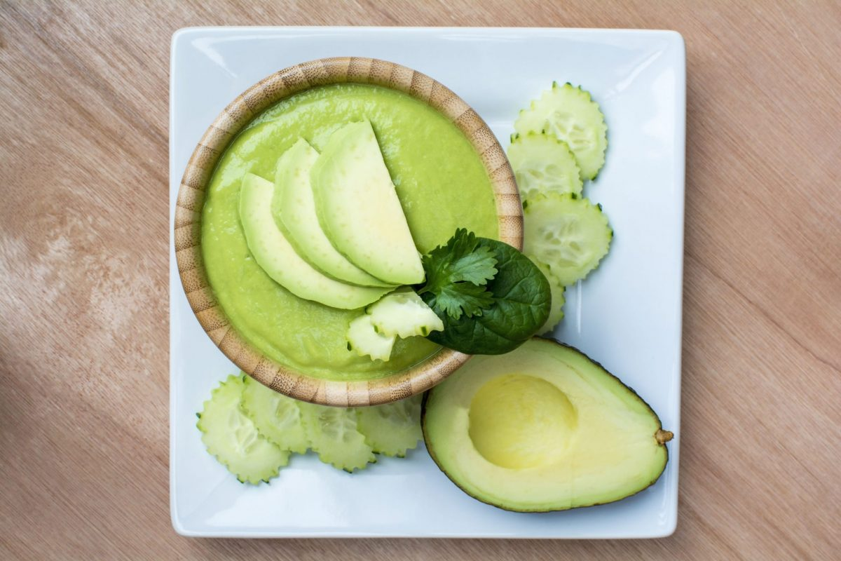 supa rece de castrvete cu avocado