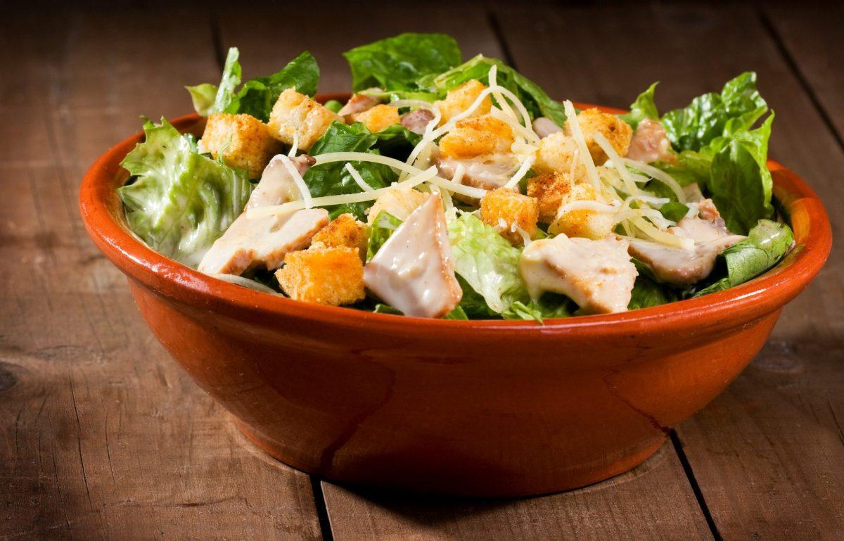 salata caesar iute