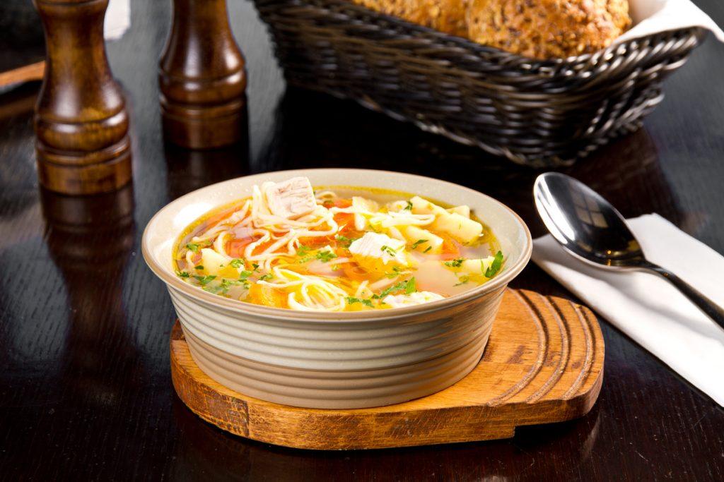 supa de varza cu pui