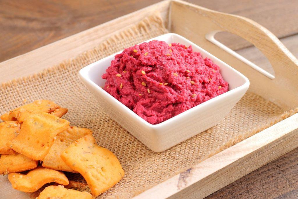 humus cu sfecla rosie