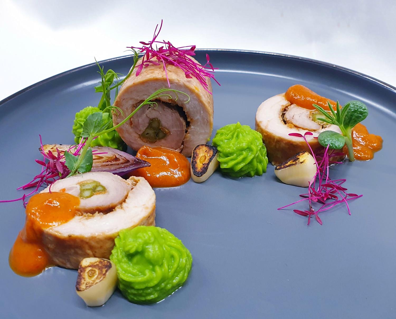 muschiulet de porc rulat cu sparanghel