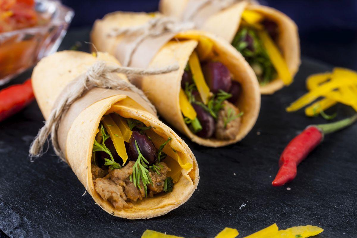 burritos_cu_fasole_rosie_si_cartof_dulce.jpg