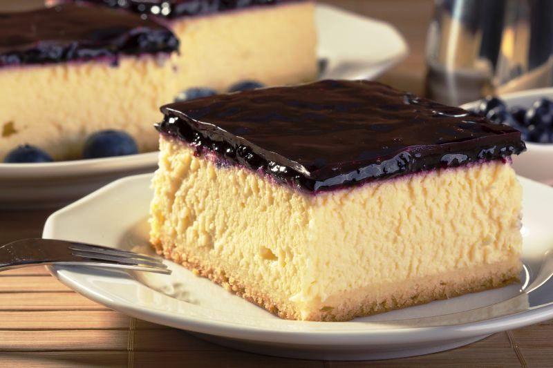 cheesecake_cu_glazura_de_afine_m.jpg