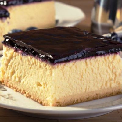 cheesecake_cu_glazura_de_afine_mi.jpg