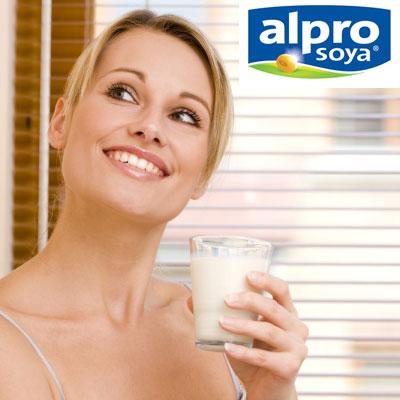 femeie-soia-lapte.jpg