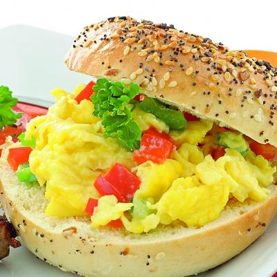 hamburgeri_cu_omleta_mica