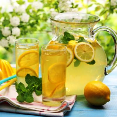 limonada_cu_miere_si_ghimbir_fotolia_64529101_subscription_xxl.jpg_c_powerstock_-_fotolia.com_mica.jpg