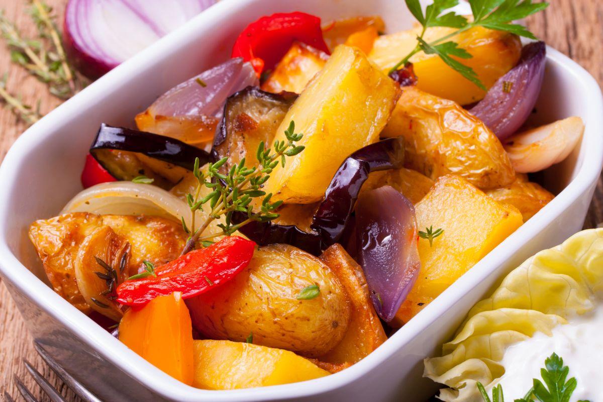 mancarica_vinete_cu_cartofi.jpg