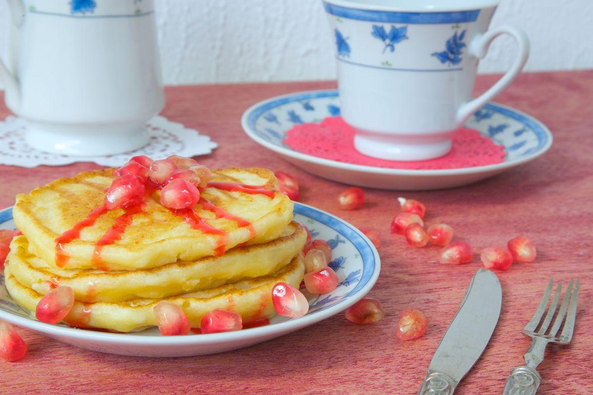 pancakes_cu_iaurt_si_rodie.jpg