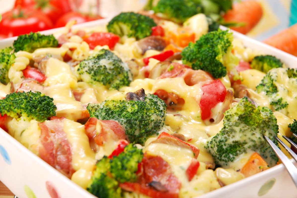paste_cu_rosii_mozzarella_broccoli