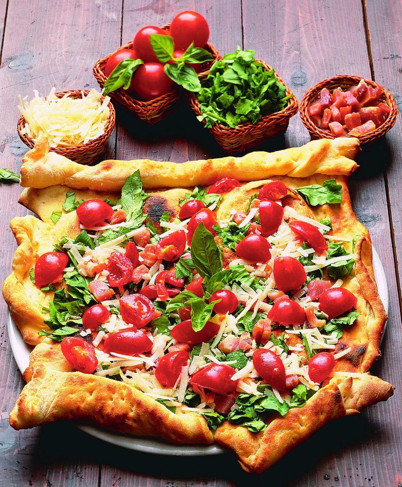 pizza_cu_rosii_si_busuioc_mare