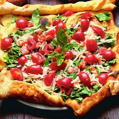 pizza_cu_rosii_si_busuioc_mica
