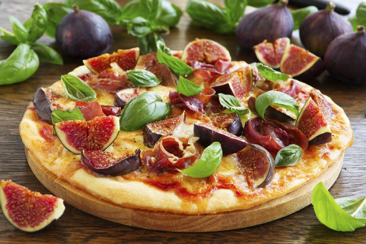 pizza_cu_smochine.jpg
