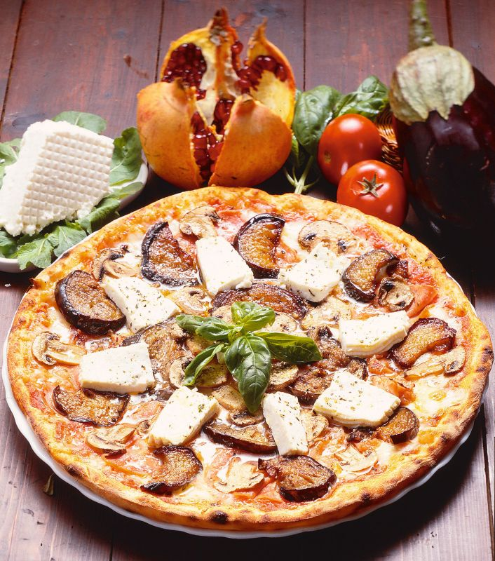 pizza_cu_vinete_mare.jpg