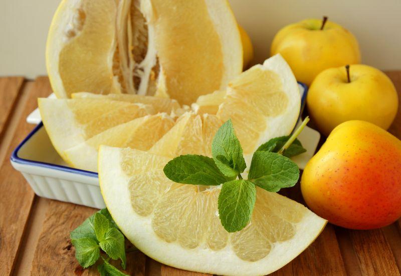 pomelo_ce_beneficii_pentru_sanatate_se_ascund_in_acest_fruct_citric_0
