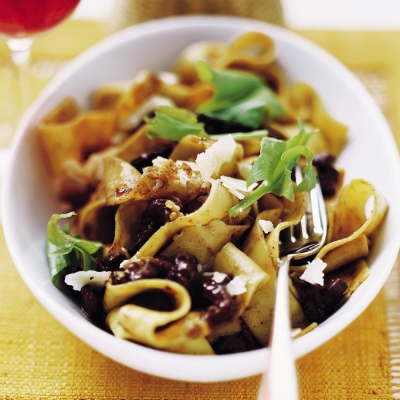 ribbon-pasta-with-duck-ragout_400.jpg