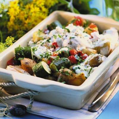 salata-de-cartofi-cu-sos-de-iaurt400
