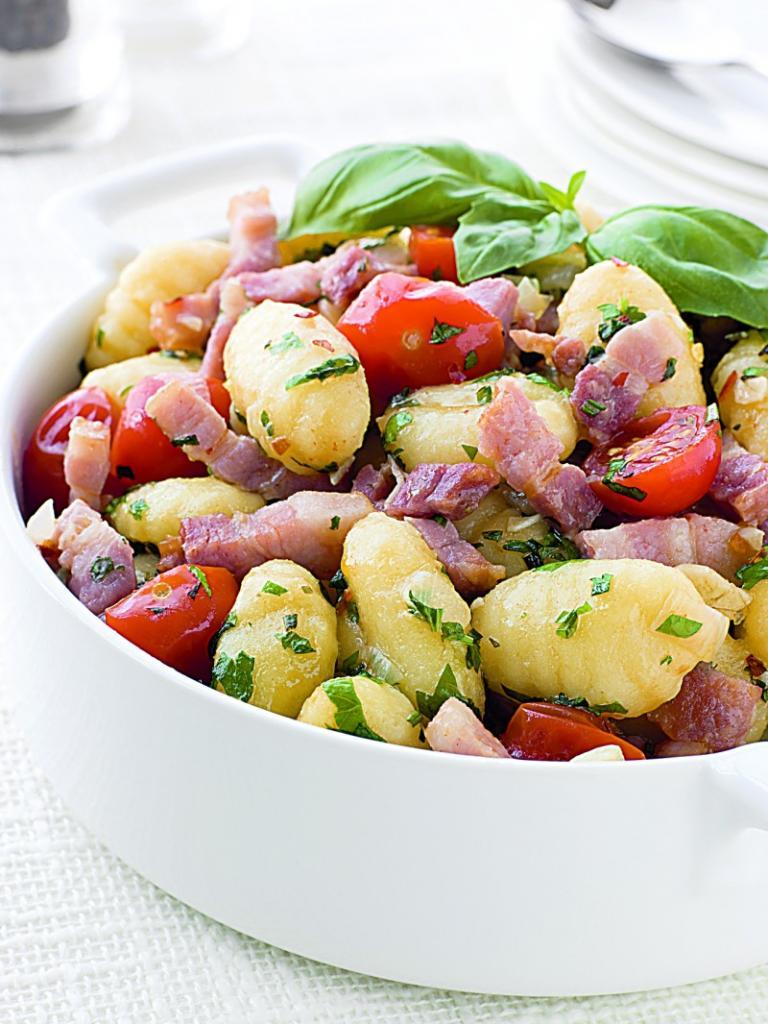salata_calda_cu_gnocchi_mare