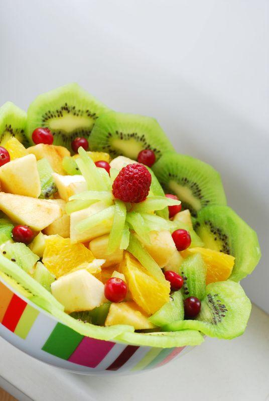 salata_de_fructe_mare