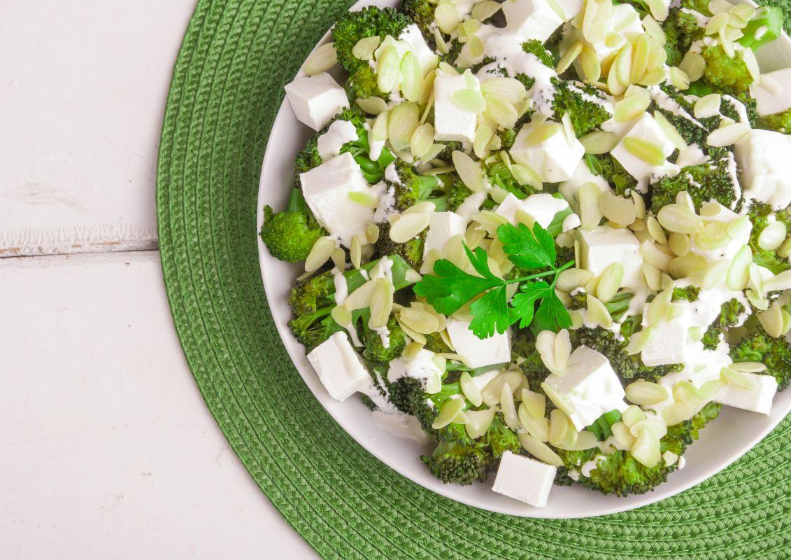 salata_greceasca_broccoli_feta
