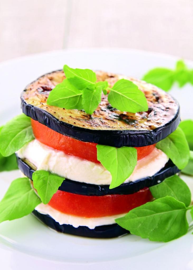 sendvis_vegetal_cu_mozzarella_mare