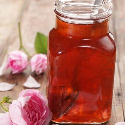 sirop_de_trandafiri_mica.jpg