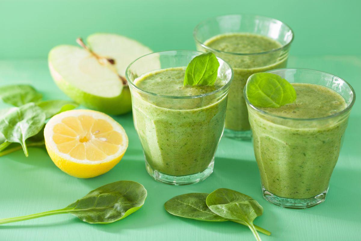 smoothie_verde_cu_mar_ghimbir_si_spanac