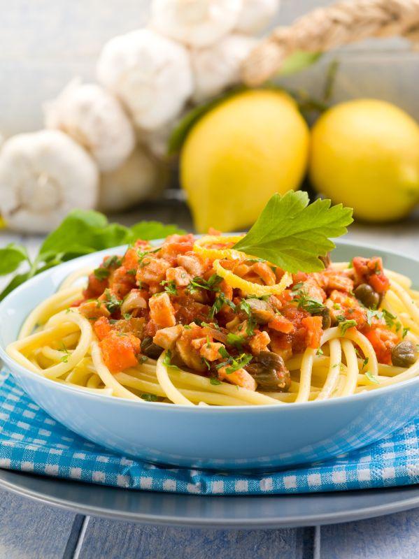 spaghete_cu_peste_si_legume_mare.jpg