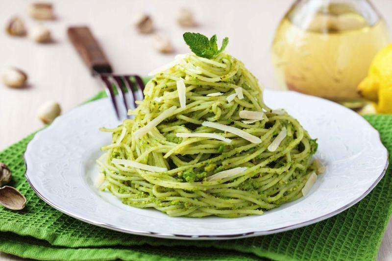 spaghete_cu_pesto_de_patrunjel_m