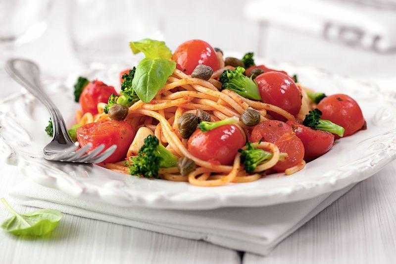 spaghete_cu_rosii_cherry_mare.jpg