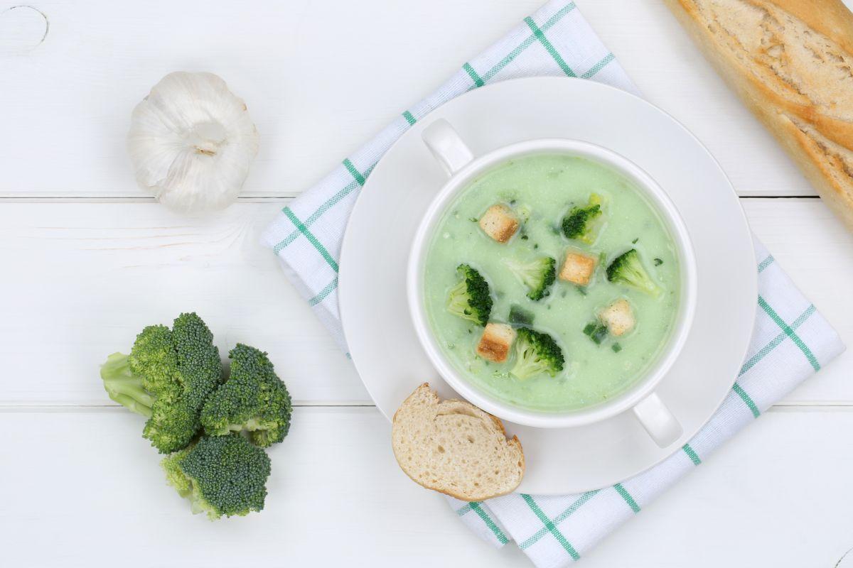 supa_de_broccoli_copt_si_branza_cheddar