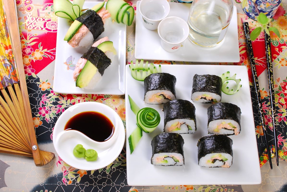 sushi_somon_avocado
