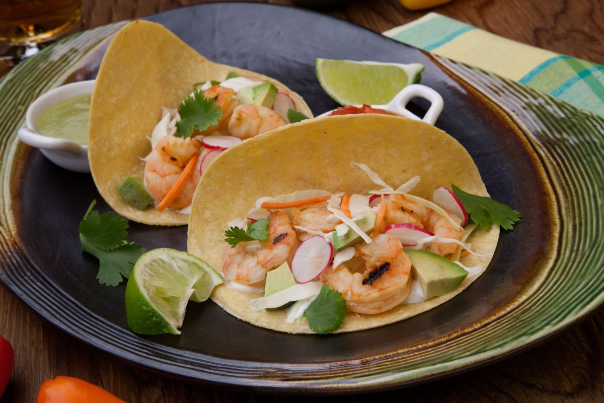 tacos_cu_creveti_si_salsa_de_mango.jpg