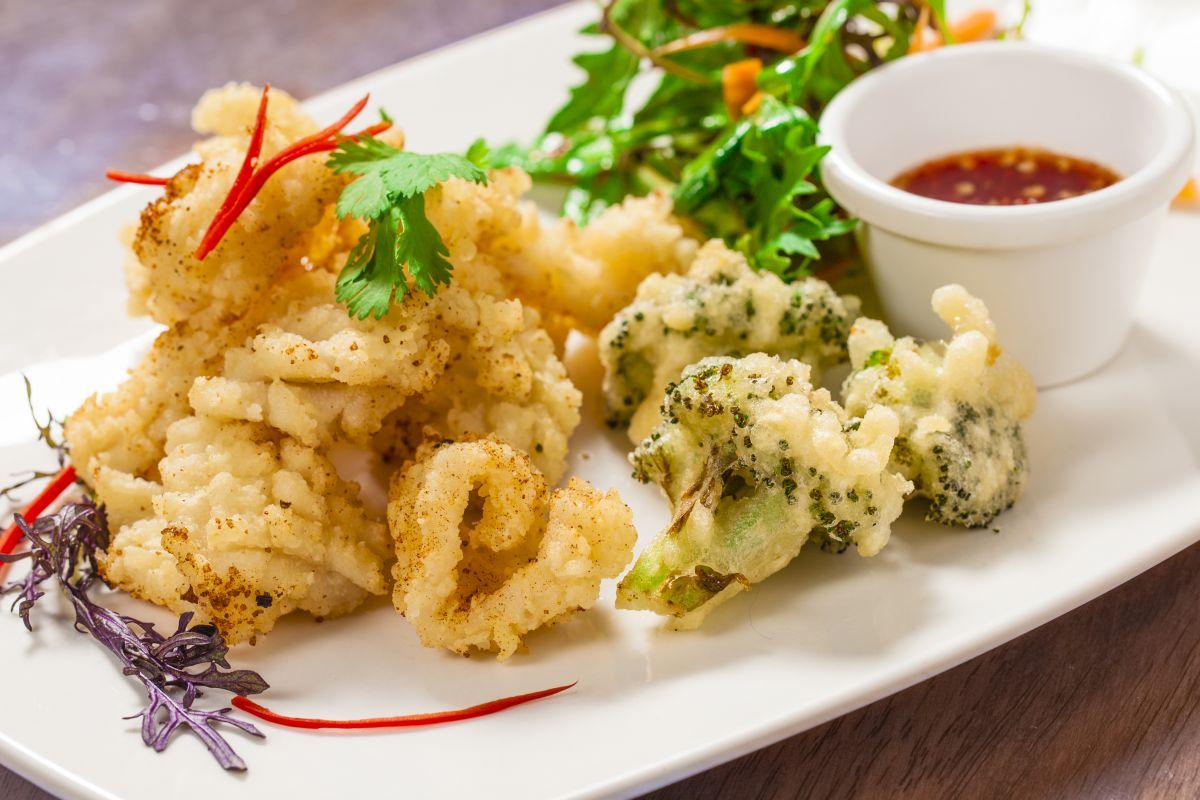 tempura_fructe_de_mare_legume.jpg