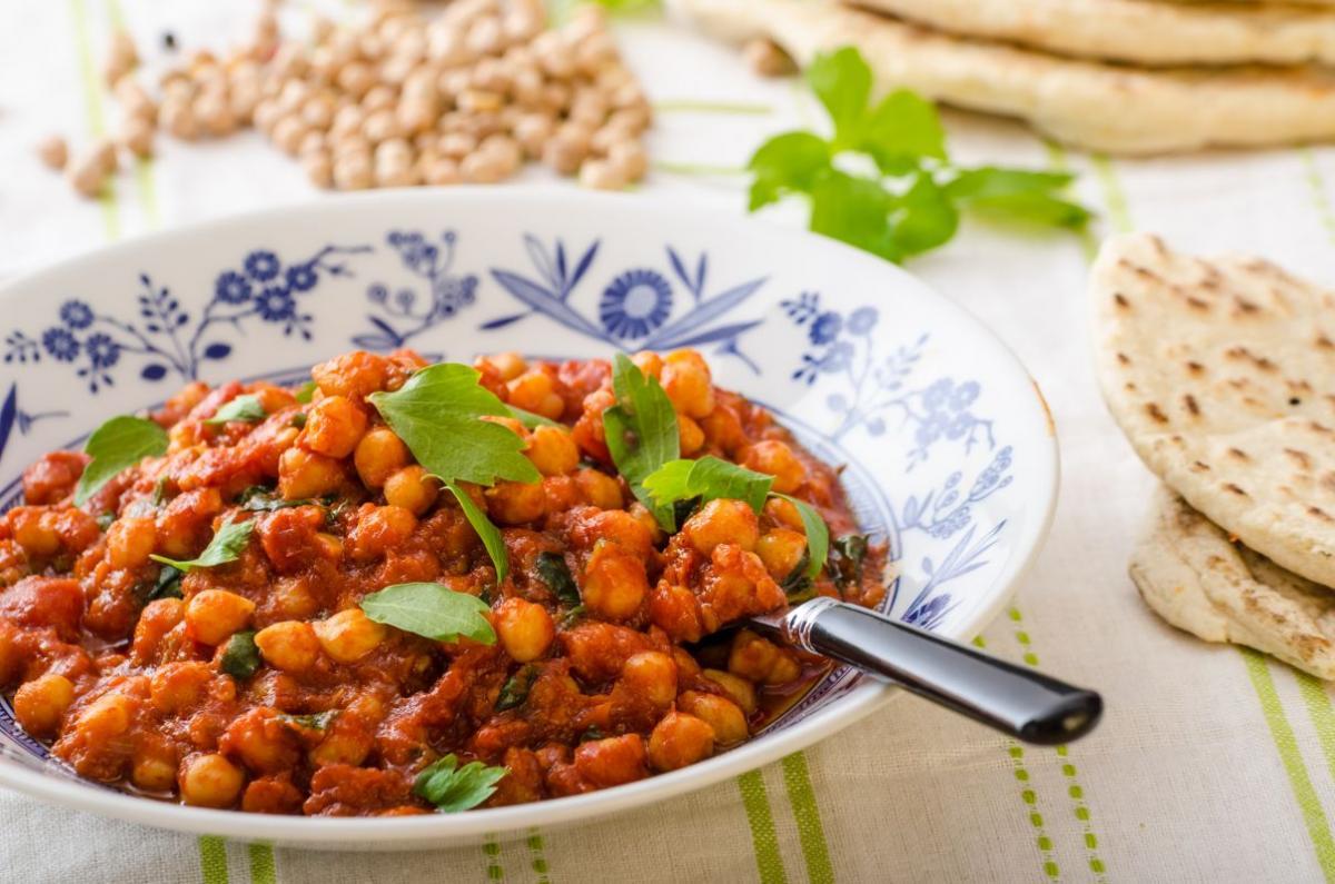 tocana_de_naut_cu_curry_si_coriandru